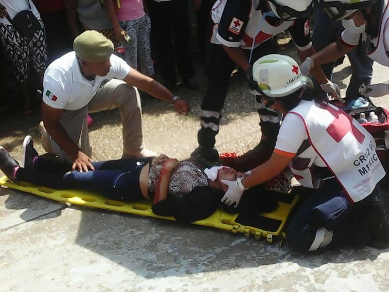 Joven mujer se avienta de un puente en Coatzacoalcos