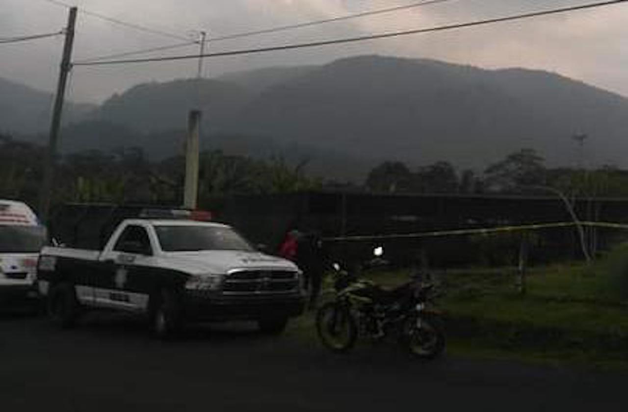 Hombre mata a su esposa y se suicida, en Ixhuatlán del Café
