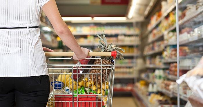 Consumidores ya perciben en el mercado la escasez de algunas marcas y productos
