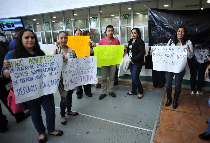 SUTSEM: bloqueos al examen de bachillerato si no pagan