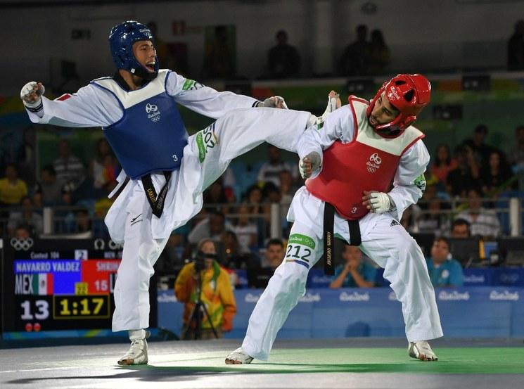 Manjarrez y Navarro clasifican a cuartos en taekwondo