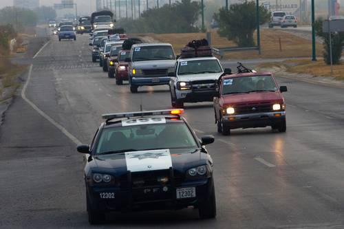 Protege la PF a caravanas de migrantes ante acoso del narco