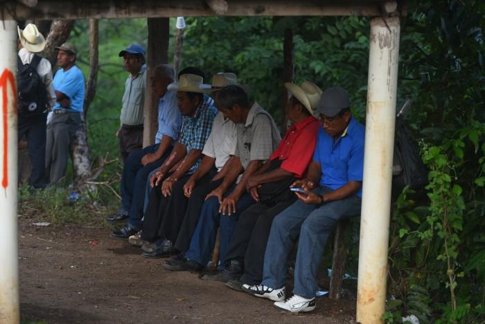 Emigra 50% de jefes de familia de Tatahuicapan