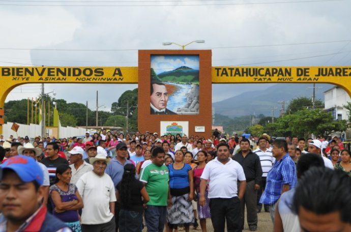 Nuevo conflicto entre Tatahuicapan y Coatzacoalcos, acusan desvío