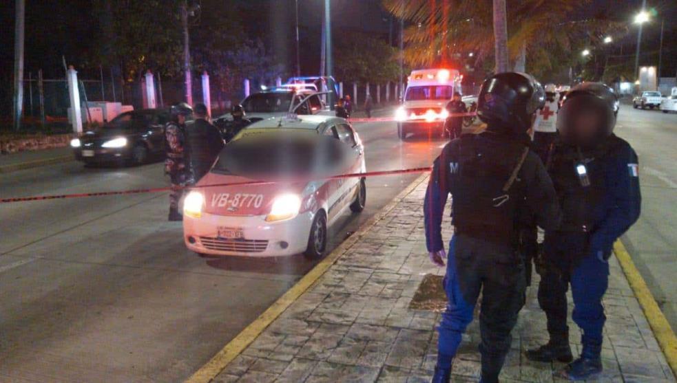 Acribillan a taxista frente a Reino Mágico, en Veracruz puerto