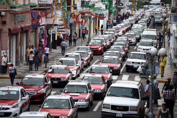 """""""No es berrinche, no tenemos para pagar el reordenamiento"""", dicen Taxistas"""