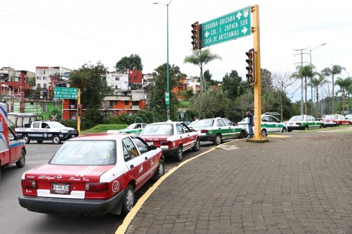 Aún sin empadronar 500 unidades de taxi en Xalapa