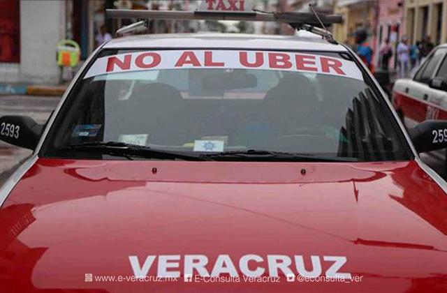 Taxistas de Veracruz piden frenar el servicio de Uber en el estado