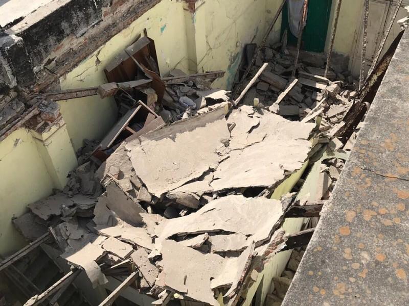 Colapsa techo de vivienda histórica de Veracruz