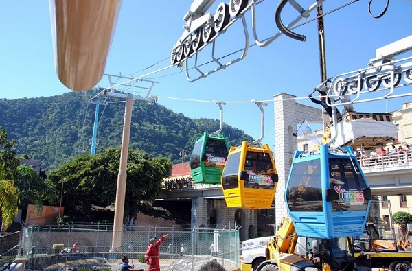 Logra capricho Hugo Chahín; inaugura teleférico de Orizaba