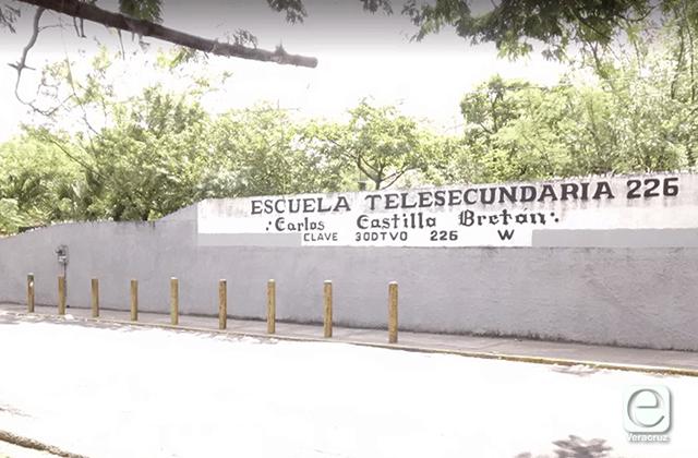 Telesecundaria del Puerto ignora a SEV y exige cuotas