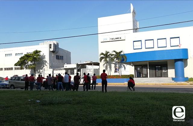 Trabajadores de Telmex en Coatza se suman al paro nacional