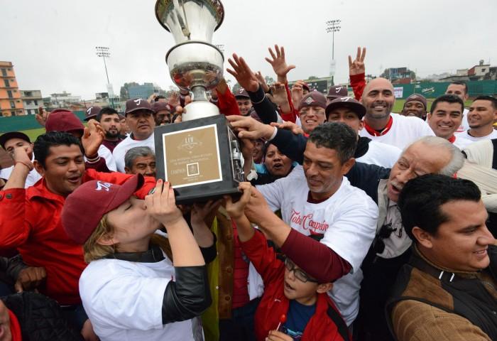 Tobis de Acayucan se corona campeón de la LIV