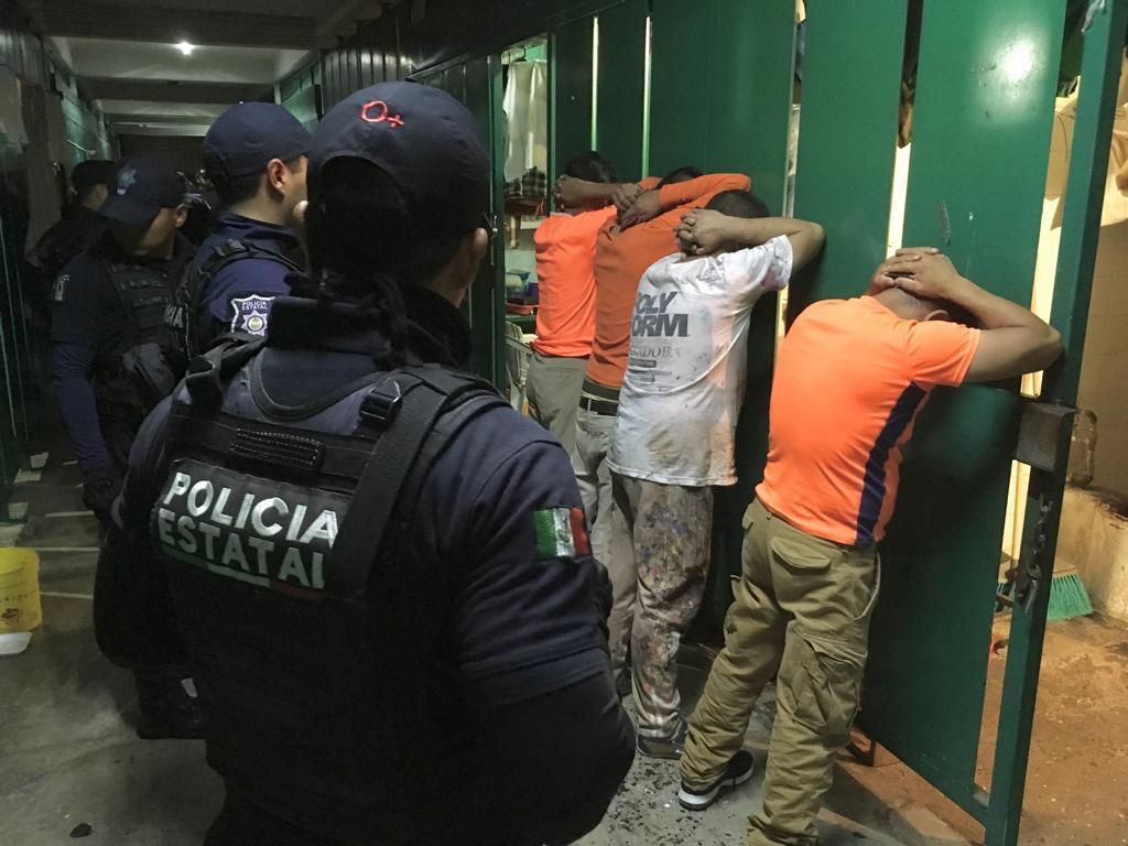 Mediante operativo registraron penal de La Toma, en Amatlán