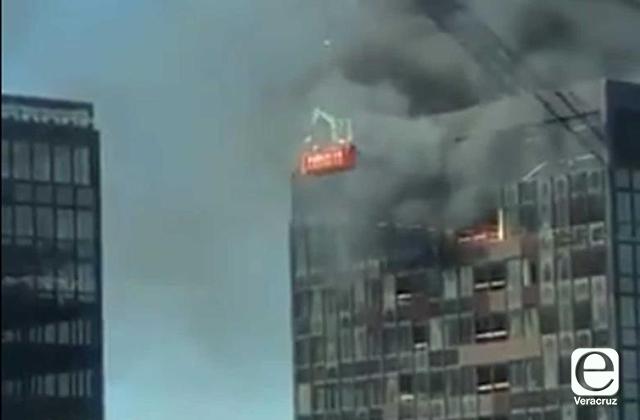 VIDEO | Torre del World Trade Center en Bruselas se incendia