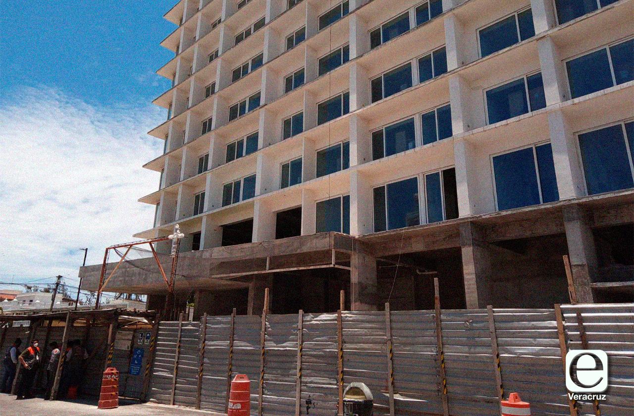 Otra vez, reanudan construcción de Torre Centro del Puerto
