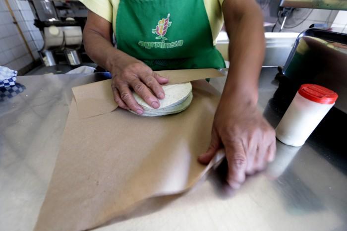 Estiman que el kilo de tortilla podría costar 14. 40 pesos por el gasolinazo