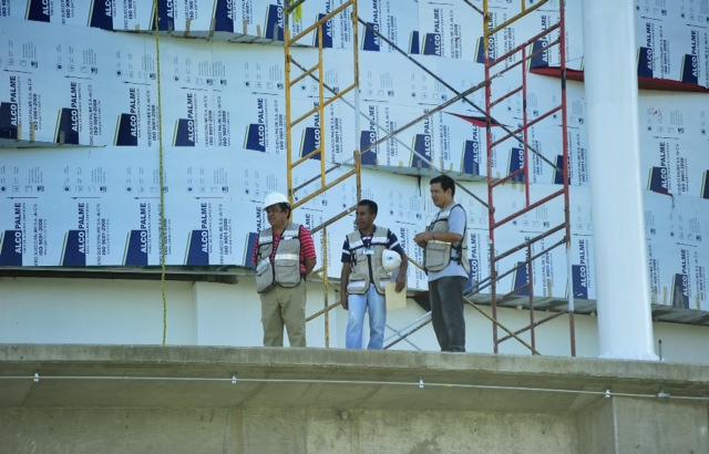 Trabajadores del velódromo realizan paro de labores