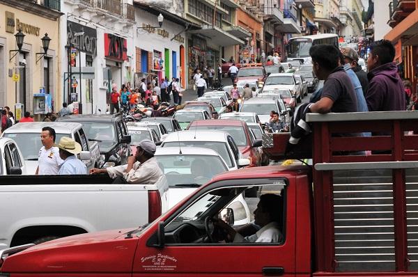 Preocupa al comité de los JCC tráfico vehicular en Xalapa y Veracruz: diputado