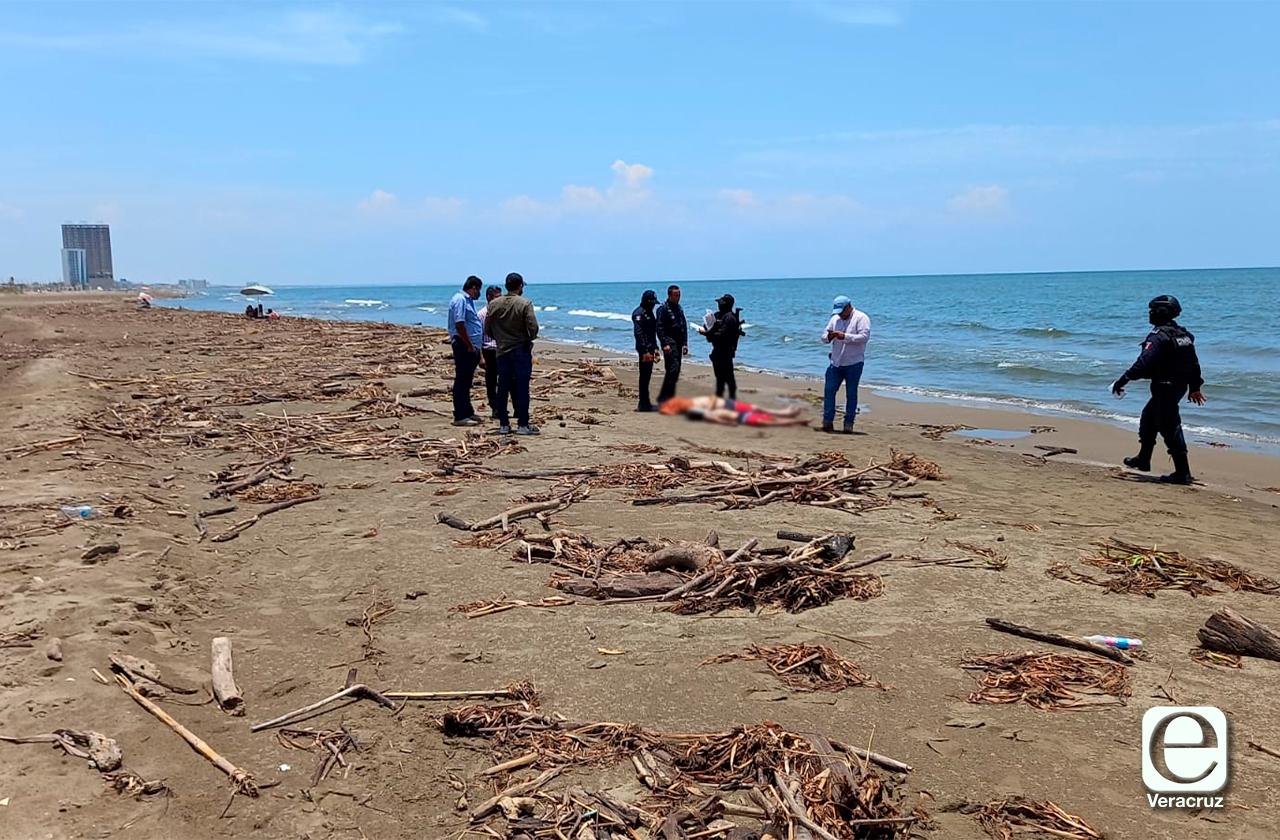 Tragedia en playa de Coatza: mueren 3 turistas ahogados