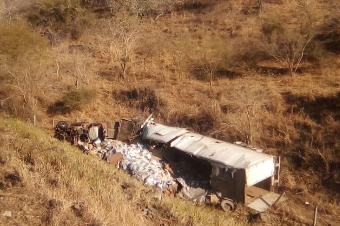 Accidente en Plan del Río, Veracruz; tráiler cae a barranco