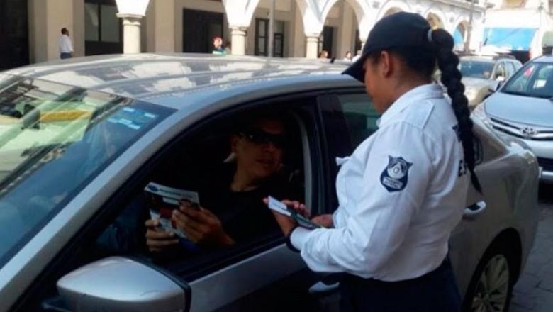 Machismo trastoca labor de oficiales de Tránsito de Veracruz