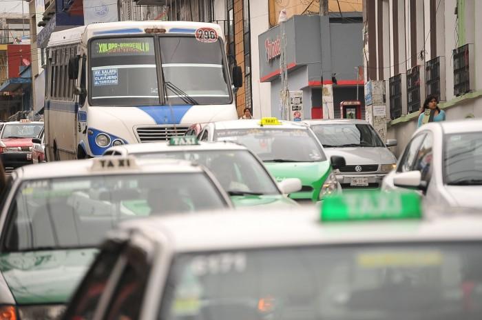 Veracruz, crecimiento indiscriminado de servicio de transporte