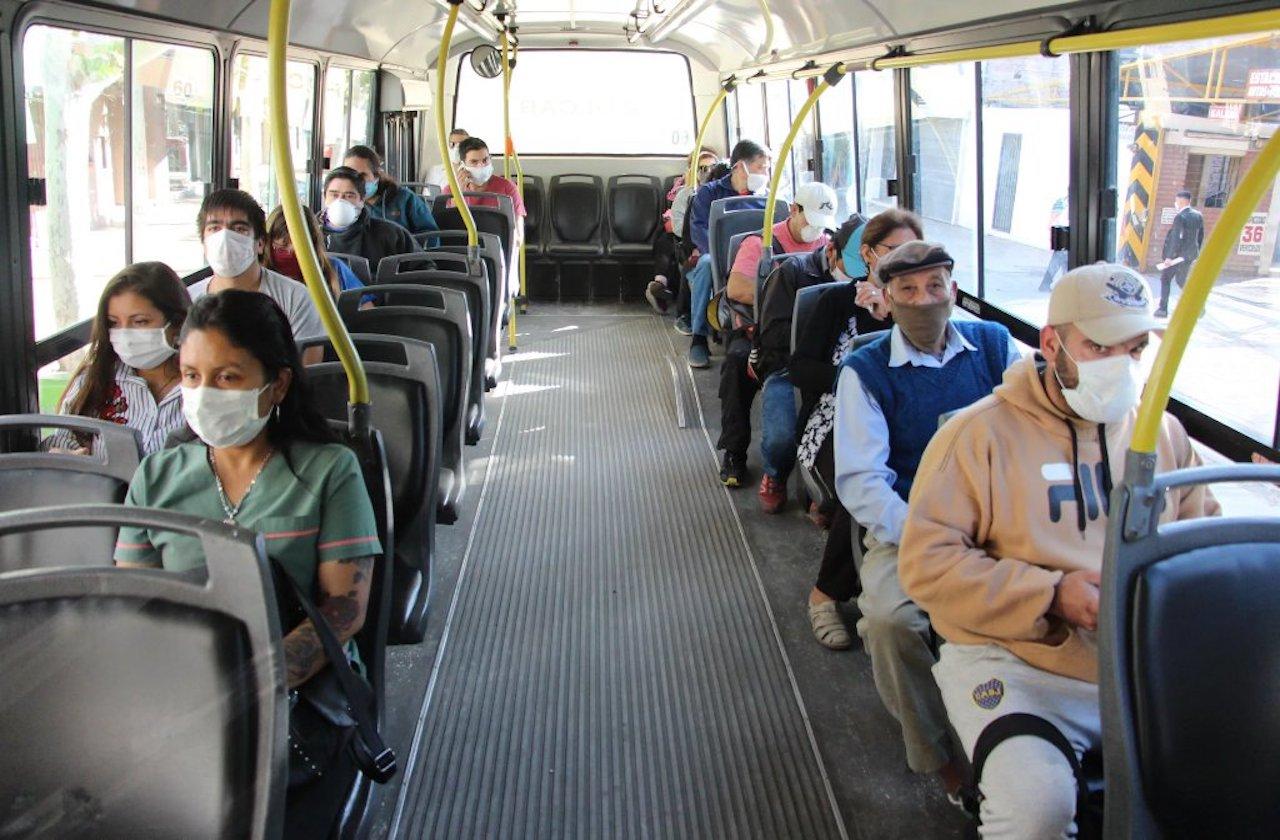 ¿Cómo protegerse del covid en el transporte público?