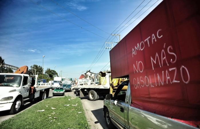 Transportistas de Amotac compran combustible a hauchicoleros