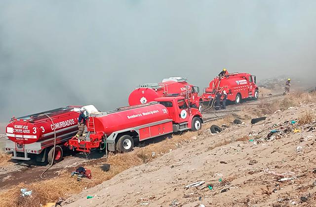 Tras 30 horas, incendio en basurero de Veracruz es sofocado