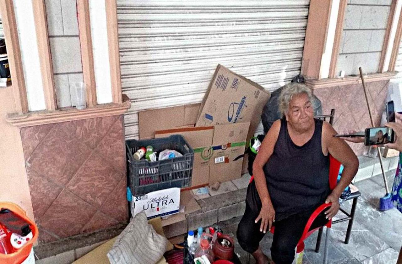 Tras desalojo, María vive en Los Portales de Veracruz