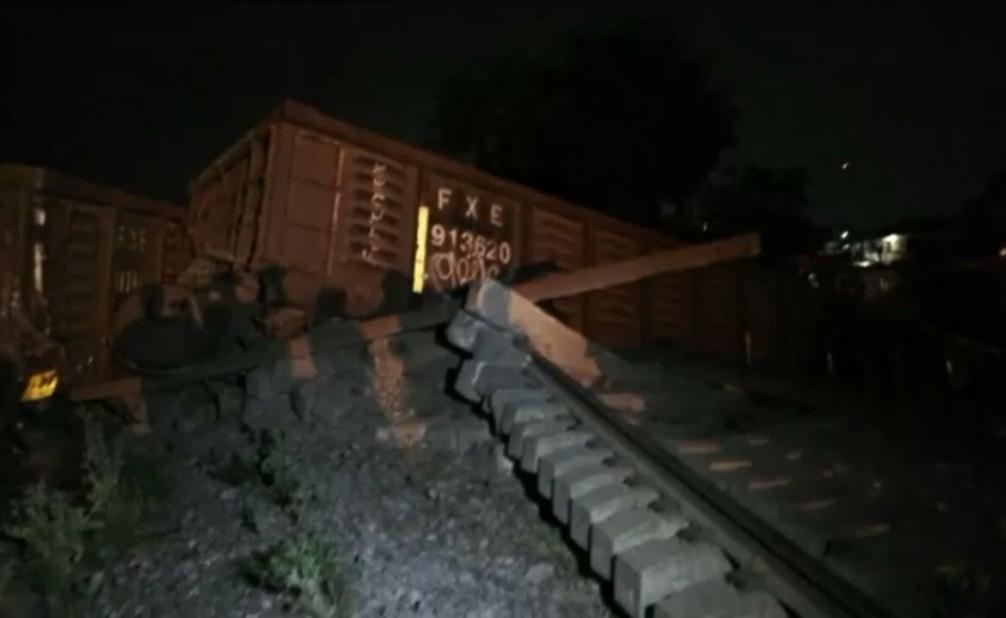 Descarrilla tren en la ciudad de Córdoba, no reportan heridos