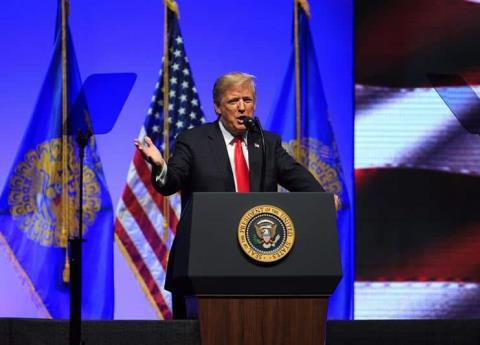 Trump quiere desaparecer ciudadanía para hijos de migrantes indocumentados que nazcan en EU