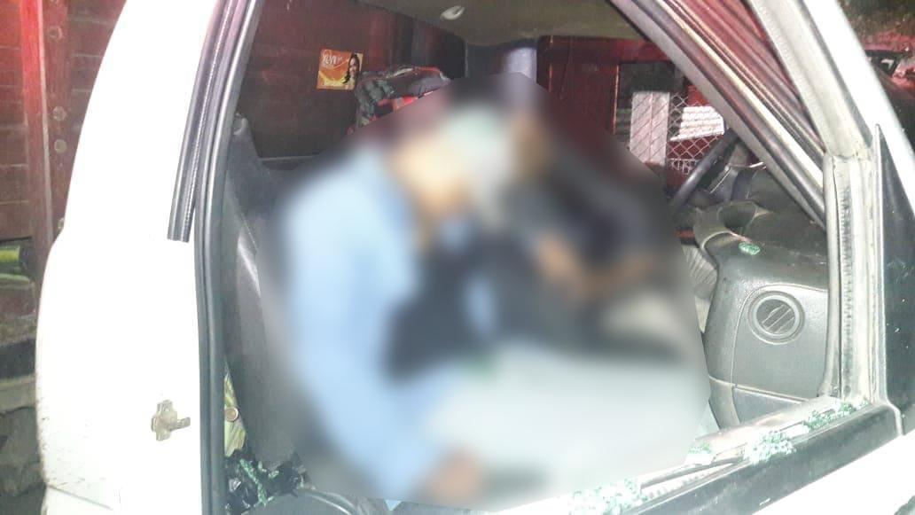 En Isla acribillan a dos hombres al interior de camioneta