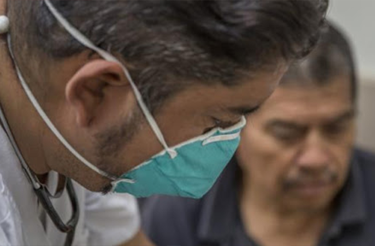 Realiza pruebas de Coronavirus a posible paciente en Coatzacoalcos