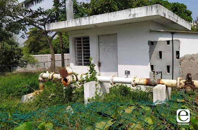 Tuberías rotas provocan desabasto en colonias de Alvarado