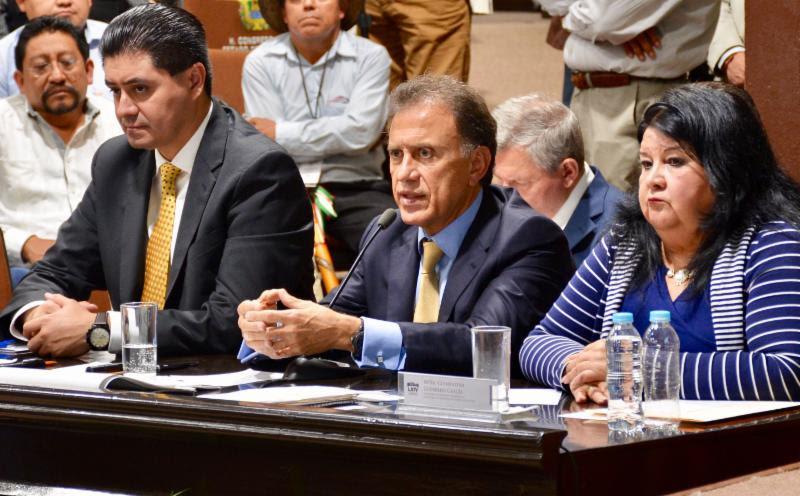 Plantea el Gobernador Yunes 5 líneas de acción para regular y restablecer el equilibrio en las finanzas