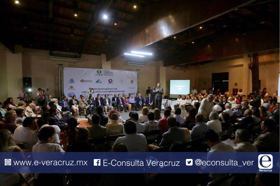 Empresarios aprovechan foro de candidatos a gobernador para reclamar pagos