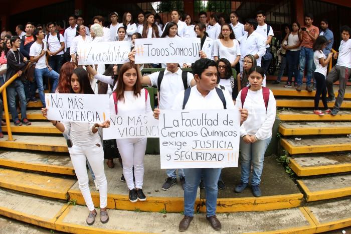 Estudiantes UV protestan contra asesinato de universitario