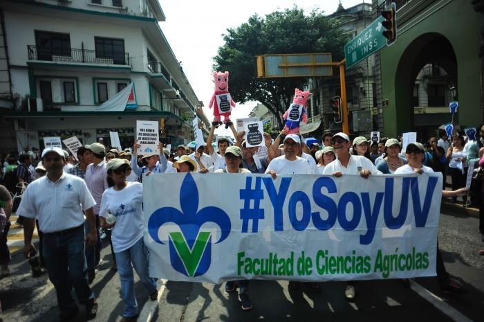 #TodosSomosUV: La Universidad Veracruzana regresó a las calles