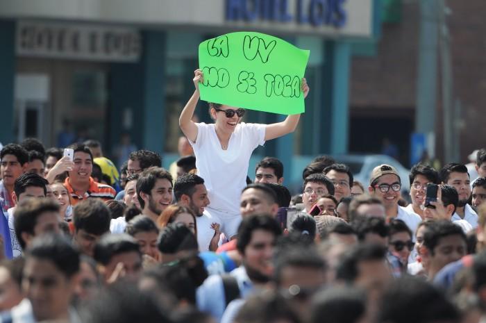 UV convoca a megamarcha en la región Veracruz - Boca del Río