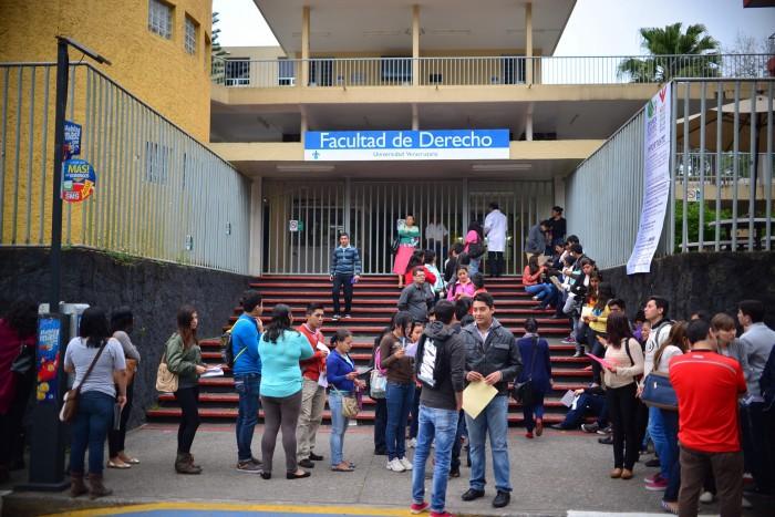 Franklin toca tierra en Veracruz y se debilita a tormenta tropical