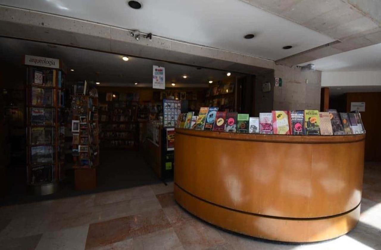 UV quita librería de Museo en Xalapa y FCE lamenta decisión