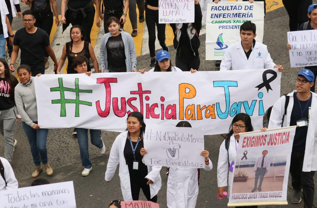 """""""¿Por qué nos asesinan?"""", gritan alumnos de UV en marcha contra violencia"""