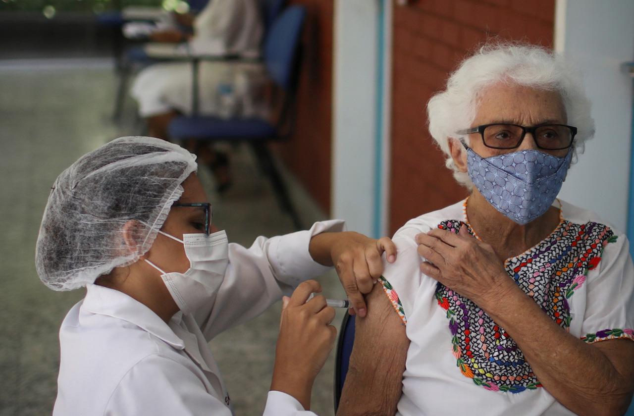 Vacunación contra covid en Ixtac comienza este 5 de abril