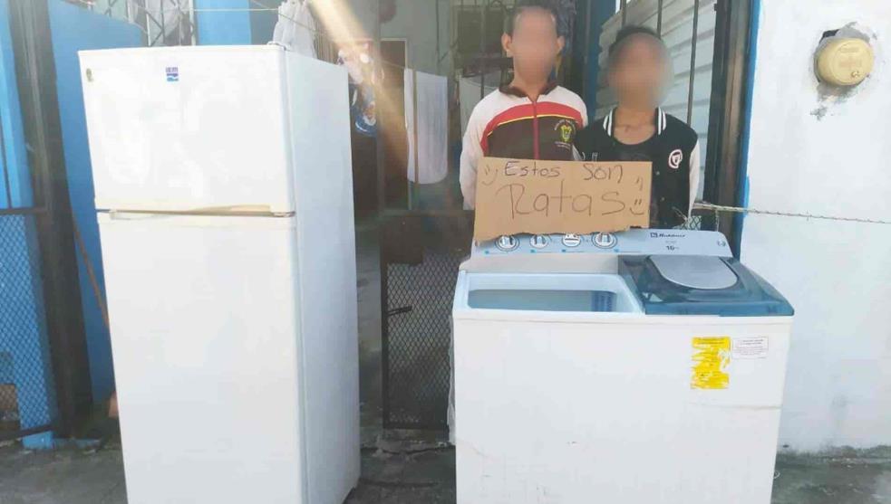 Exhiben a menores por presunto robo, en Veracruz
