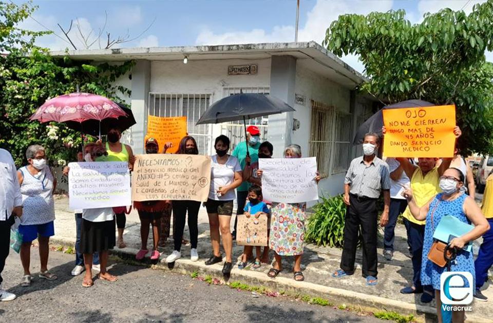 Jarochos piden reabrir centro de salud, acusan desmantelamiento