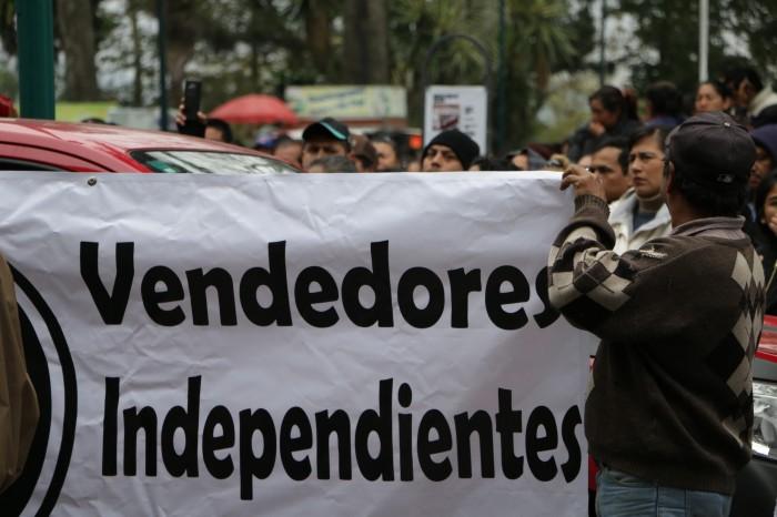 Vendedores marchan contra el ayuntamiento de Xalapa