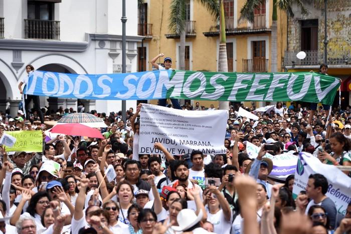 Universitarios gritaron, brincaron y cantaron en Veracruz-Boca del Río
