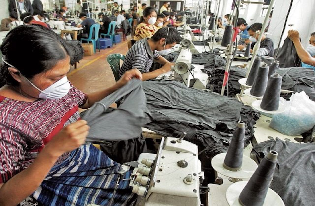 Veracruzanas trabajan más que los hombres: Inegi